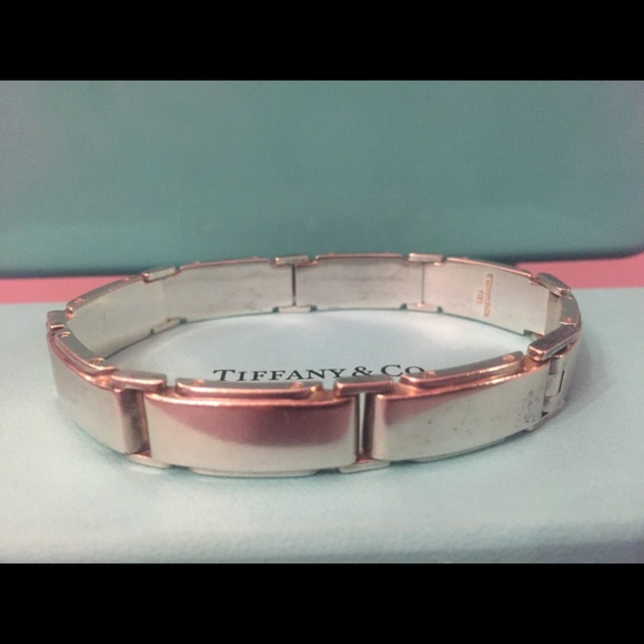 2d25aab09 Tiffany & Co Sterling Silver Metropolis bracelet. M_5a335255bcd4a7f4df008057